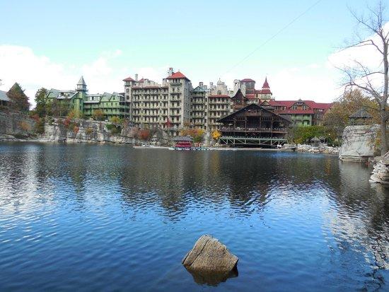Mohonk Mountain House: Lake