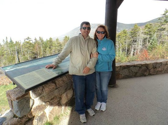The Kancamagus Lodge: checking out the view on the kang