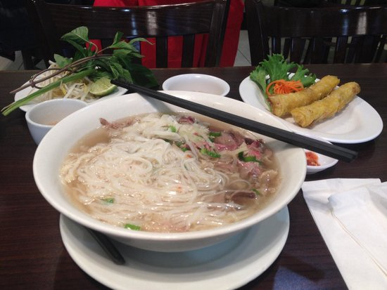 Pho Metro: Medium beef and tripe pho with a small spring roll