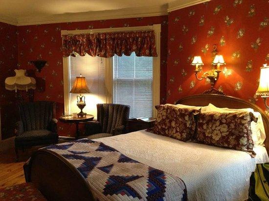 Cornell Inn Lenox: Caroline Room