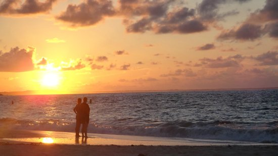 Royal West Indies Resort: Sunset on Grace Bay