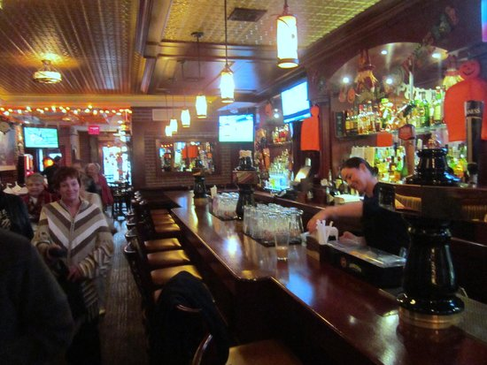 Ryan Maguire's Ale House : Ryan Maguire's beautiful bar