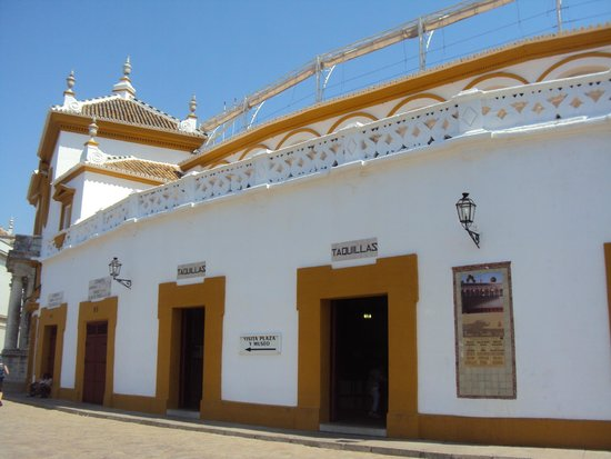 Pension Gala : Plaza de toros