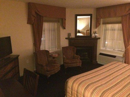 Landmark Inn: Room