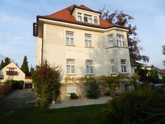 Hotel Schöngarten Garni: vista posterior