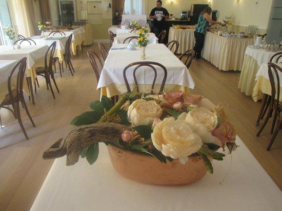 Hotel Villa Anita: Indoor breakfast room