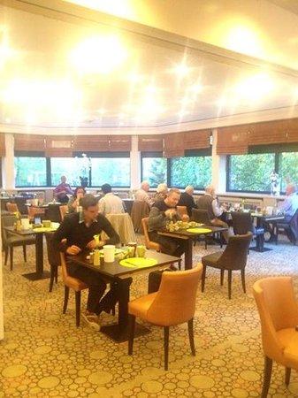 Leonardo Royal Hotel Baden-Baden : desayunador