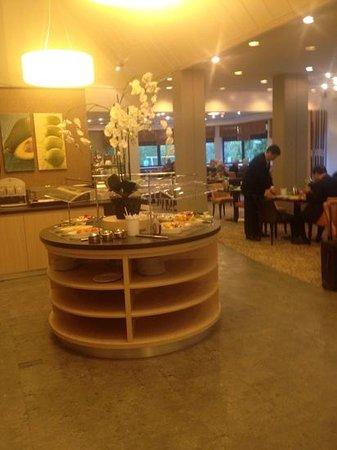 Leonardo Royal Hotel Baden-Baden : desayunos