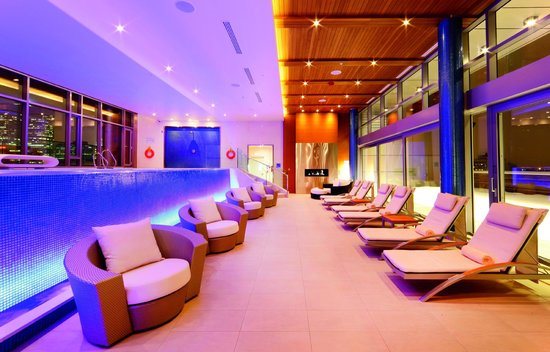 The Ritz-Carlton, Montreal: Indoor Rooftop Pool