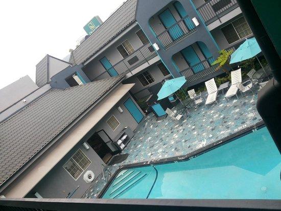 Quality Inn Near Hollywood Walk of Fame: piscina