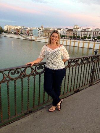 Hostal Jentoft: Lindo entardecer em Sevilha a poucos metros do hotel
