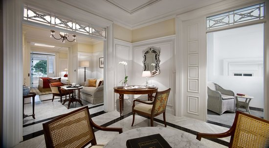 Executive Suite Living Room - Picture of The Hermitage Jakarta ...