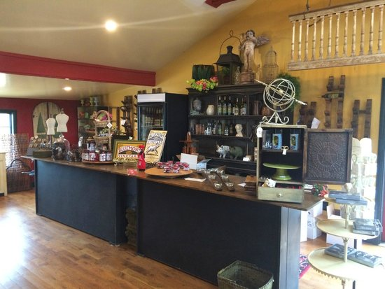 Bluemont Vineyard: Store - Off the Tasting Room