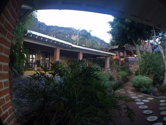 La Villa Bonita Culinary Vacation: patio principal