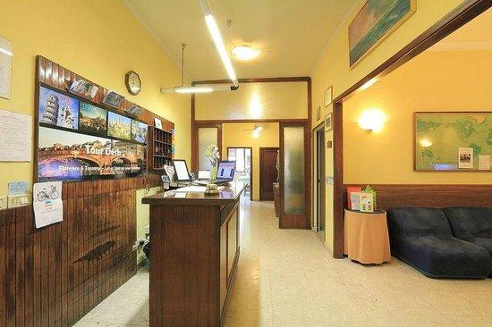 Hotel Ottaviani: Recepcja hotelowa