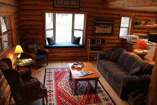 Lonesome Duck Ranch & Resort: Living Room  Rivers Edge