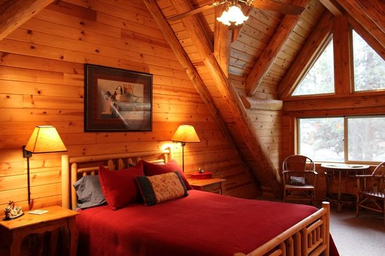 Lonesome Duck Ranch & Resort: Master Bedroom  Rivers Edge