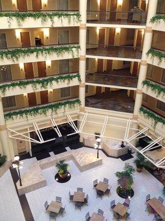 DoubleTree Suites by Hilton Hotel Salt Lake City: atrium