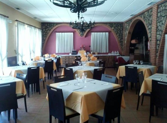 Restaurante Asador San Cristobal en Valladolid con cocina Asador
