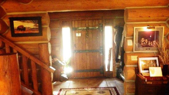 Buffalo Rock Lodge: Front Iron Clad door