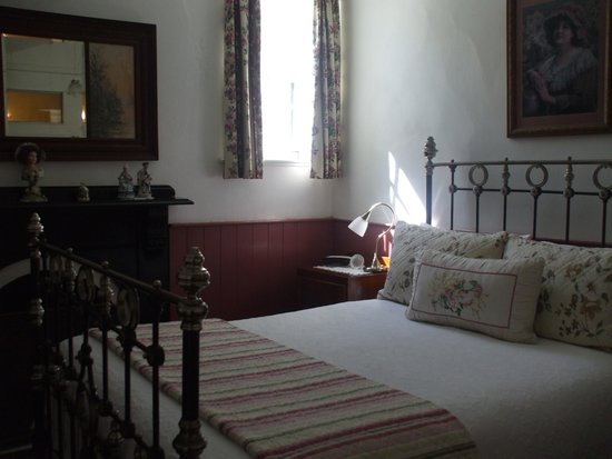 Touchwood Cottages: Double Room