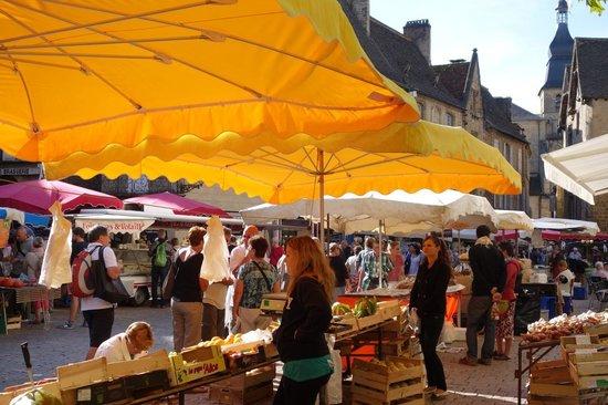 Hotel Montaigne: Saturday Market in Sarlat (Sept 2014)
