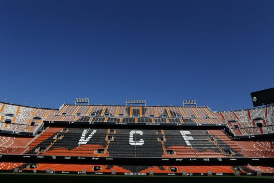 ‪Estadio De Mestalla‬