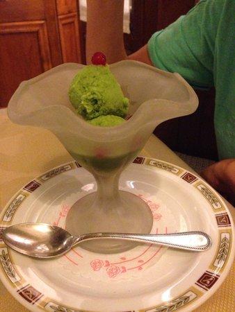 Taverna Giulia : Sorbetto al basilico