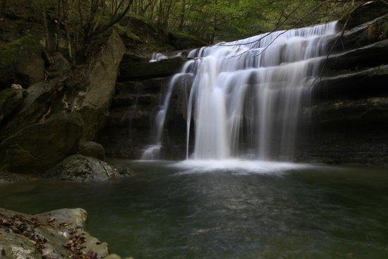 San Benedetto in Alpe, Italy: cascatina lungo il percorso