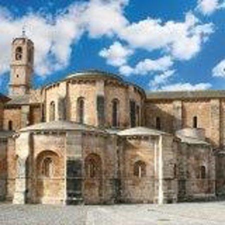 Cabecera del Monasterio de Fitero, Plaza de los Ábsides
