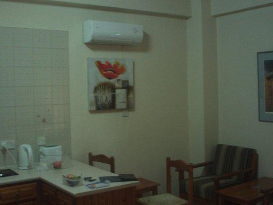 Lysithea Beach Hotel Apartments: Studio apartment