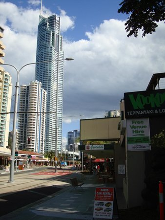 Govindas Surfers Paradise: Govinda's Surfers Paradise just north of the Q1