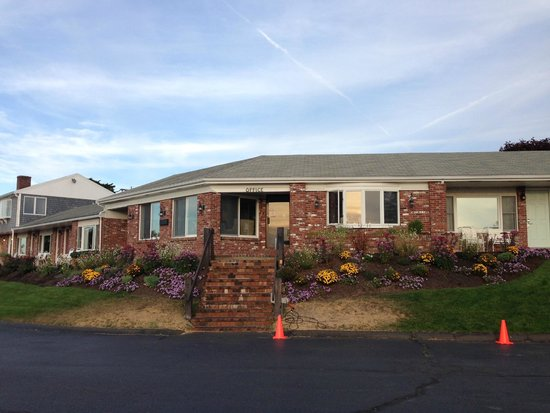 The Seaglass Inn & Spa: Front Office