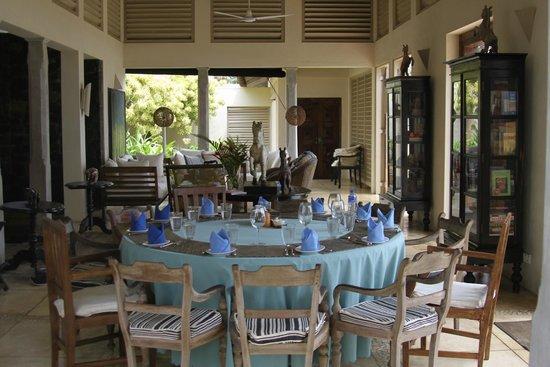 Ambalama Villa : inside house