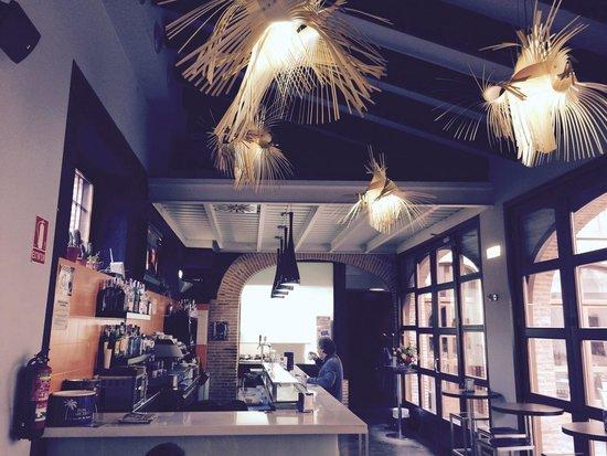 Restaurante Ruejo: Cafetería restaurante muy tranquila