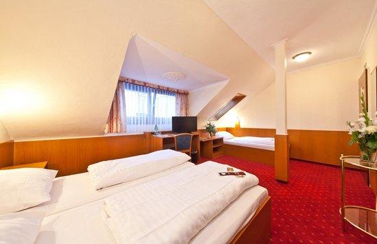 Novum Hotel Primus Frankfurt Sachsenhausen: Familyroom