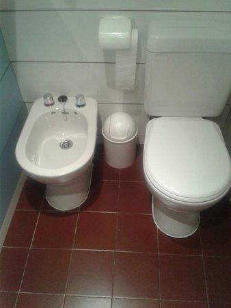 Bonanova: Bagno con bidet inutilizzabile