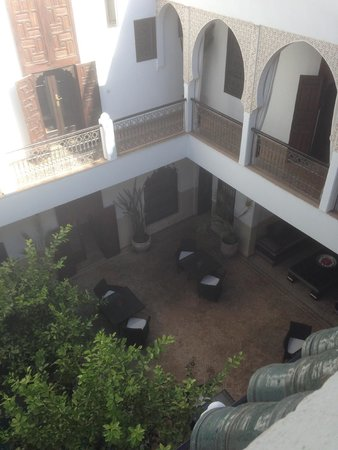 Riad Assakina : View downwards from the roof terrace