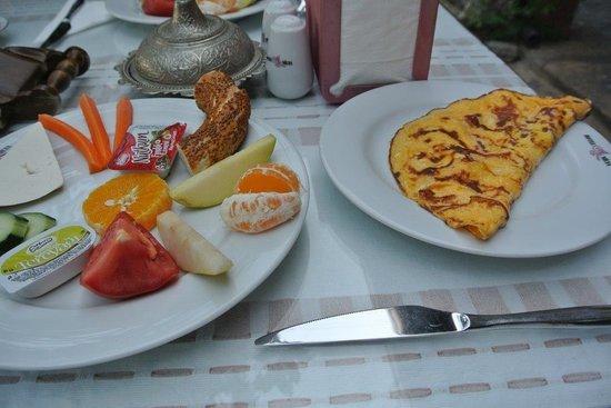 Hotel Nilya : Petit déjeuner copieux et soigné
