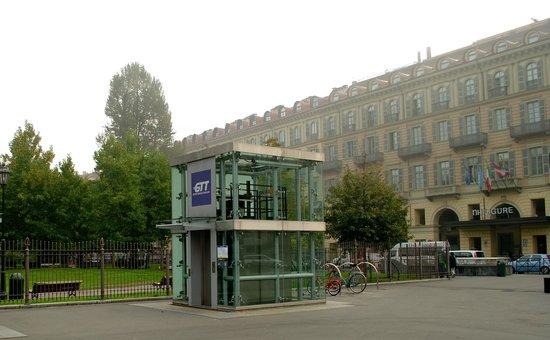 Metropolitana di Torino : Один из входов в метро