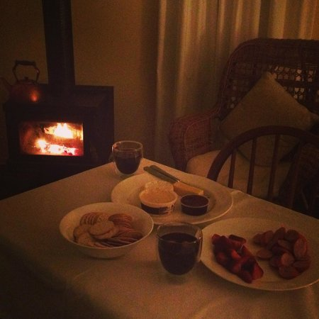 Elm Wood : Fire, mulled wine & cheese platter!