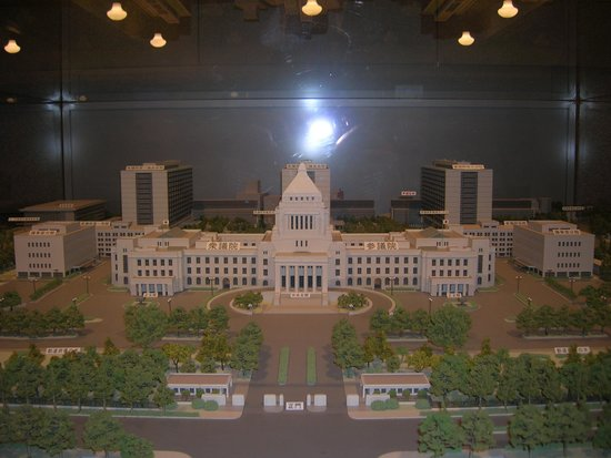 National Diet Building: 縮小模型を撮影