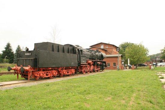 Meyenburg, Germany: Außenansicht mit der Dampflok der BR50
