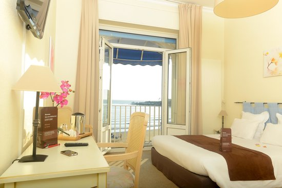 le grand hotel de la plage royan voir les tarifs 303. Black Bedroom Furniture Sets. Home Design Ideas