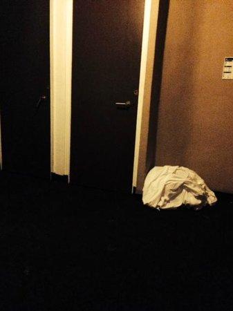 Claremont Hotel: hallway