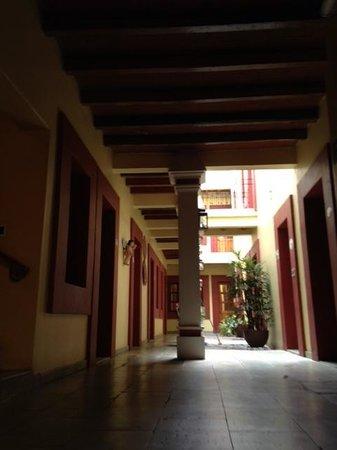 Hotel Aitana: cortile itnerno visto dalla nostra camera