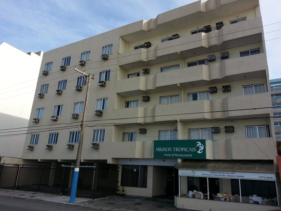 Hotel Abusos Tropicais