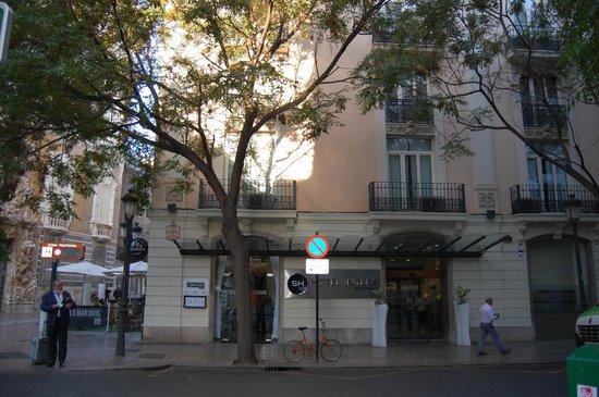 SH Ingles: Hotel in ottima posizione