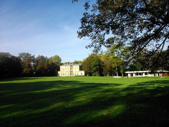 Chateau de la Motte Fenelon : Una maravilla los alrededores, para montar en bici, caminar...