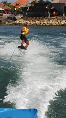BMR Dive and Water Sports: wake boarding.cool!
